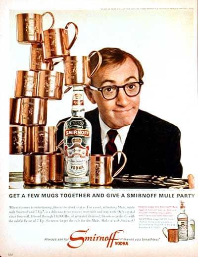 Woody Allen, testimonial di Smirnoff Mule. Notare l'esplicito cross-selling per la vendita diretta delle mug in rame...
